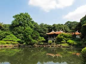 shinjuku gyoen national garden shinjuku tokyoing