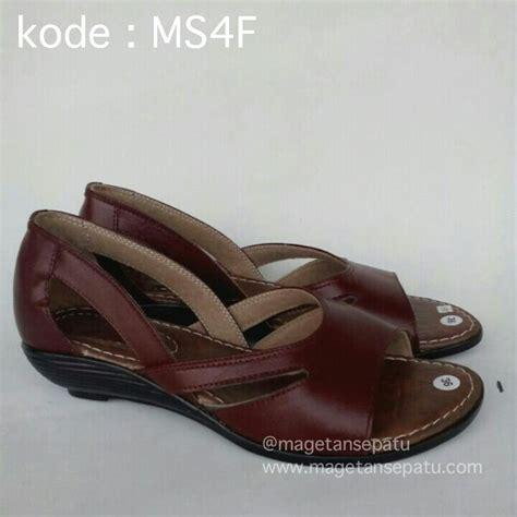 Sandal Flat Untuk Wanita Cewek Bahan Kulit Sapi Asli Warna Coklat Tu 1 jual sandal kulit wanita branded kode ms4f sandal kulit magetan grosir