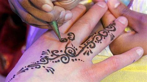 henna tattoo wie lange haltbar schmerzhafte urlaubssouvenirs wie henna tattoos