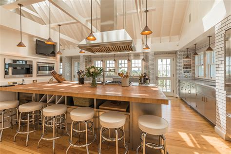 celebrity house kitchen go inside 10 stunning celebrity kitchens