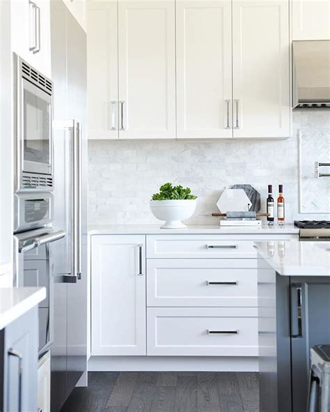 white shaker cabinets gold pulls design ideas 12 best antique white kitchen cabinets in trending design