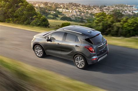 buick encore uk 2017 buick encore reviews and rating motor trend