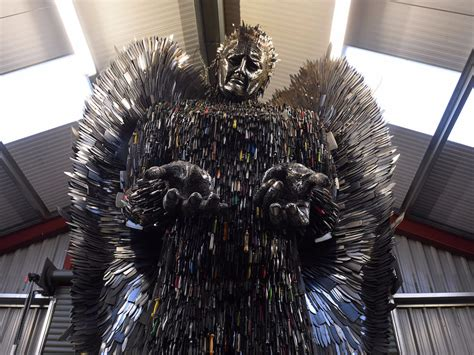 pictures made out of knife sculpture made out of 100 000 knives