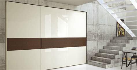 armadi grandi dimensioni come scegliere un armadio moderno