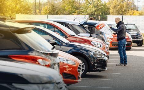 auto placevi niču na svakom ćošku: građani sve češće