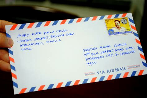 how to send a letter how to mail a letter with sle envelopes and letters