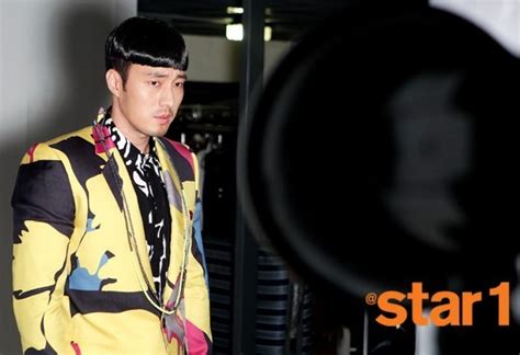 so ji sub speaking english fans horrified by so ji sub s hilariously terrible photo