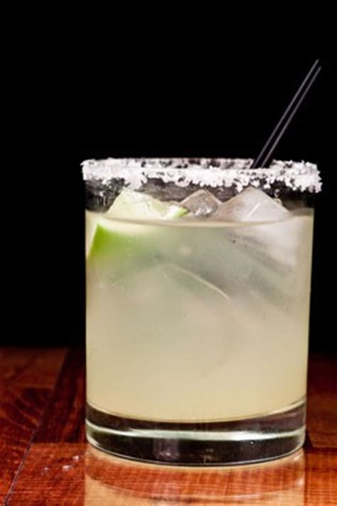 the best margarita recipe, taste tested and texan approved