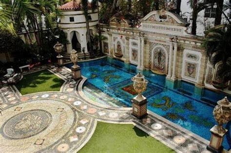 Versace Mansion In South Beach For Sale Ny Daily News Gianni Versace House South