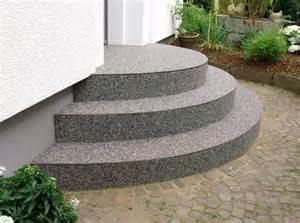 natursteinteppich treppe privat steindesign kieselbeschichtung steinteppich