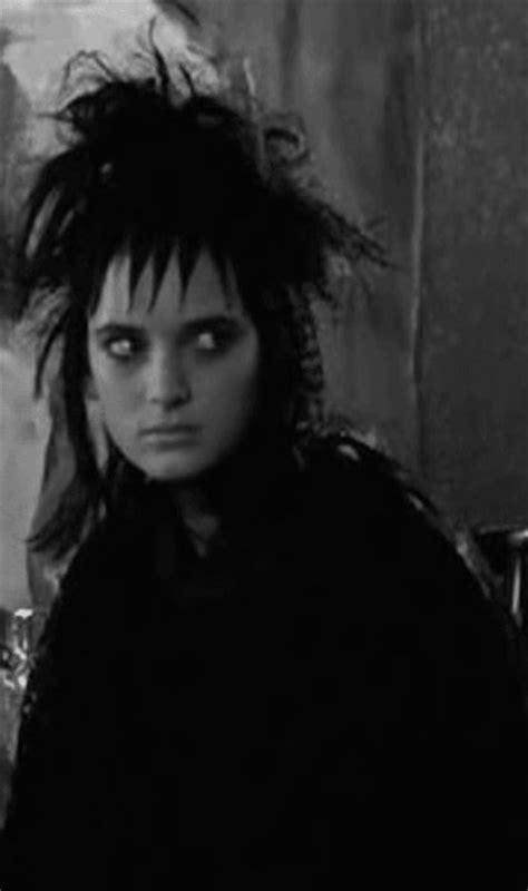 lydia deetz hairstyle lydia deetz hairstyle horror movie heroines blink brow