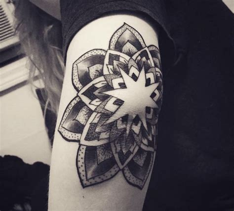 tattoo mandala coude 1001 id 233 es tatouage coude 48 mod 232 les dans le coup