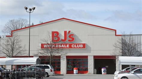bj s bj s customer lawsuit accuses retailer of overcharging