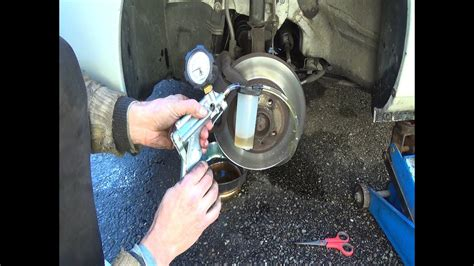 lada ad alcool brake bleeding with a mityvac vacuum step by step