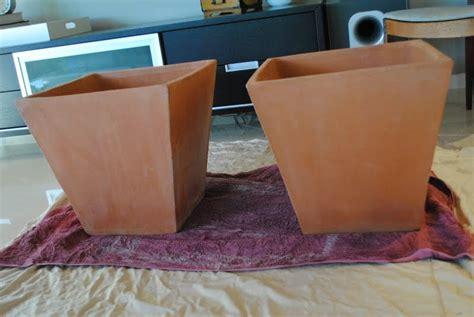 spray painting terracotta pots jandjhome how to paint a terra cotta pot