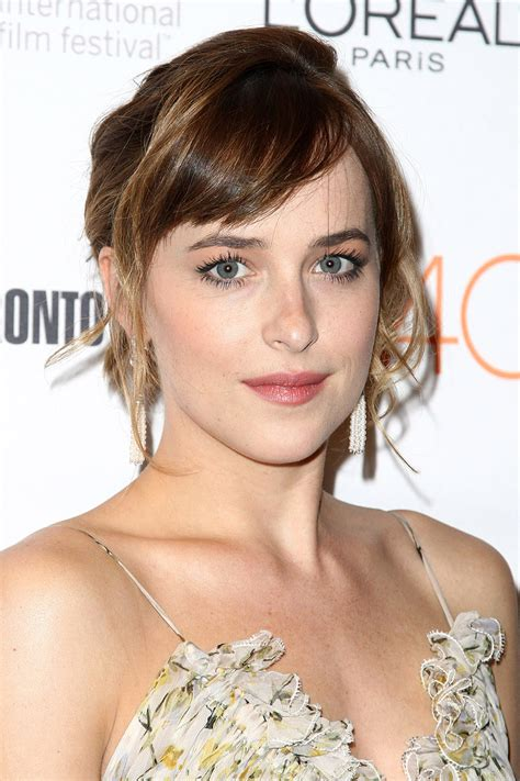 how to get bangs like dakota johnson dakota johnson s perfect bangs kate mara s sleek pixie