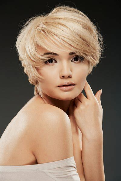 hair cuts for women with square jaw line cute short haircuts for women with square faces