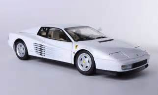 White Testarossa Testarossa 1984 White Kyosho Diecast Model Car 1