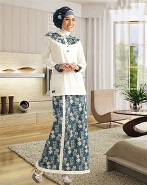 desain gaun untuk perpisahan model baju kurung modern terbaru dengan kombinasi motif