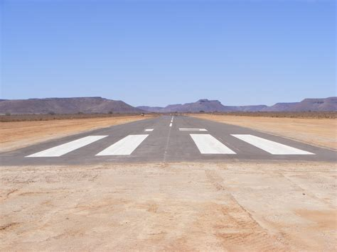 landing strips pictures uk science minister to visit ska project in karoo south