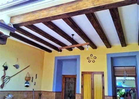 decoracion con vigas de madera las 25 mejores ideas sobre vigas imitacion madera en