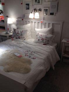 Schlafzimmer Hemnes by Hemnes Ablagetisch In Wei 223 Im Schlafzimmer Dekoideen