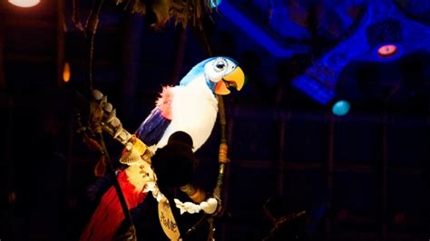 tiki room song this attraction was so bad disney fans cheered when it closed forever theme park tourist