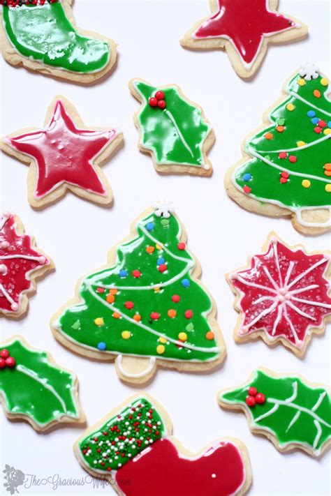 flooding with royal icing for sugar cookies christmas