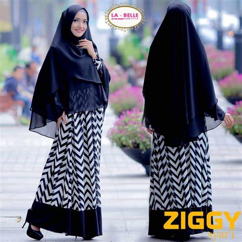 Ziggy Syar I la jual busana muslim