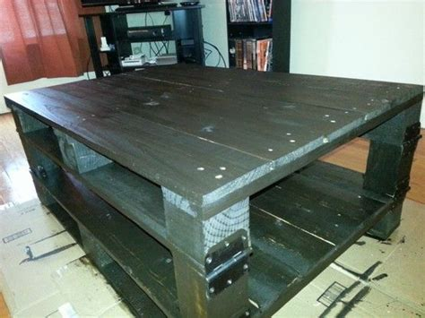 4x4 coffee table coffee table 2 pallets 1 4x4 some door hinges