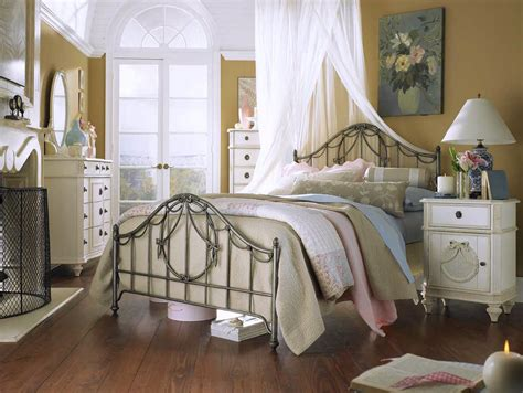 Country Bedroom Decorating Ideas by Designing A Country Bedroom Ideas For Your Sweet Home