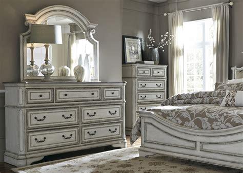 magnolia manor sleigh bed  piece bedroom set  antique