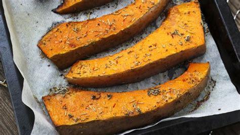 zucca mantovana al forno contorni deliziosi zucca al forno con erbe aromatiche