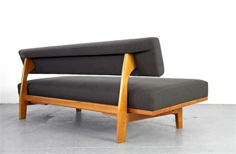 sofa mit holzgestell daybed mit schlaffunktion daybed mit schlaffunktion 100