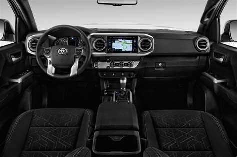 toyota tacoma interior 2017 2017 toyota tacoma access cab interior pictures to pin on
