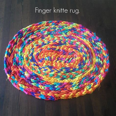 finger knitting rug finger knitted yarn flowers a diy tutorial for
