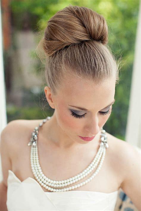 hunted wedding hairstyles bridal bun theweddinghunter