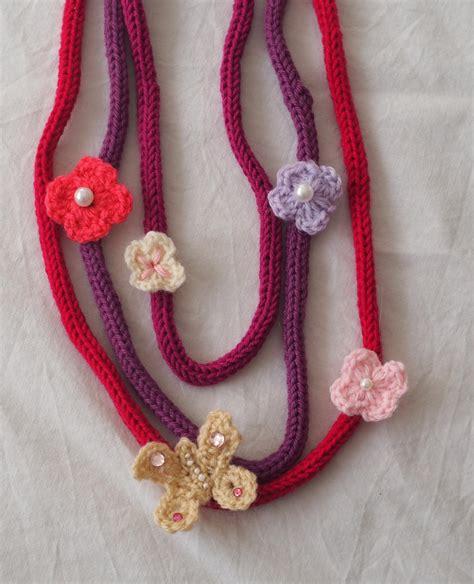 collana fiori uncinetto collana in maglia di tricotin 3 fili applicazione di