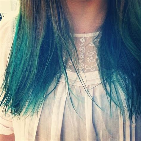 dipping hair in hot water dipping hair in boiling water blue dip dyed hair pour in a