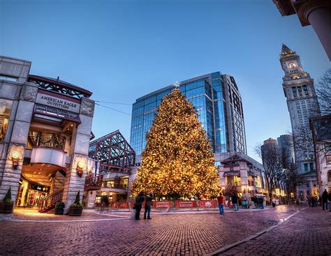 boston mass xmas tree lightging in boston festival pops market terrier store restaurants open day 2016 2017