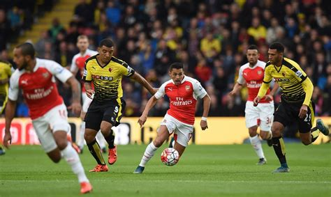 alexis sanchez dribbling arsenal s frequent flier on a scoring binge the new york