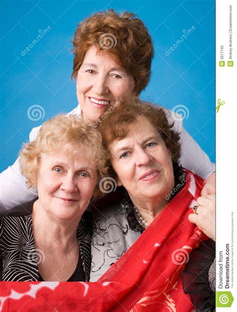 tres abuelas y un plan de sabotaje libros de humor online tres abuelas foto de archivo libre de regal 237 as imagen 5277745