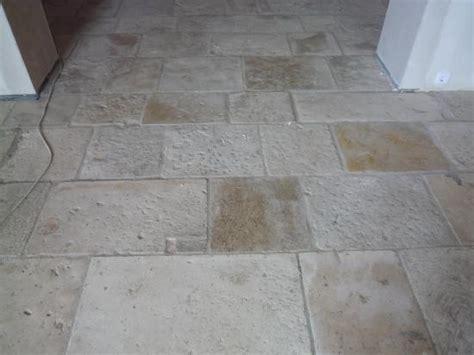 pavimenti antichi in pietra ra ma lastricato in pietra di trani da interno