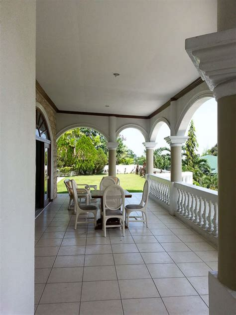 5 bedrooms for rent 5 bedroom house with swimming pool for rent in maria luisa