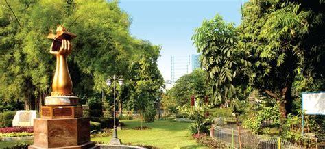 taman prestasi surabaya taman keluarga panduan wisata