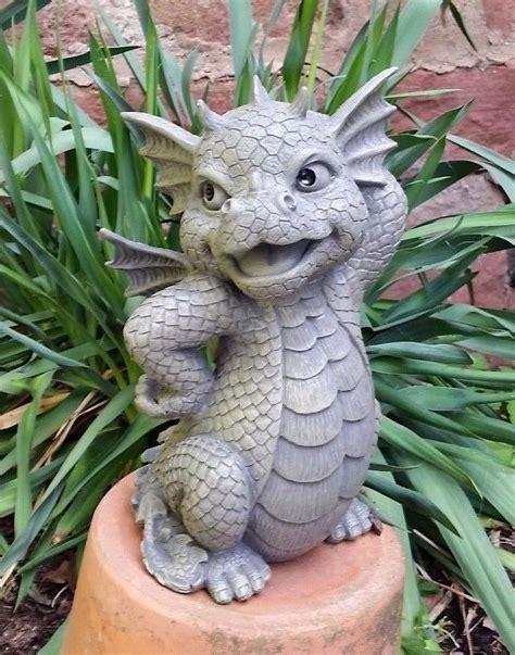 Garten Deko Drachen by Die Besten 25 Drachenfiguren Ideen Auf