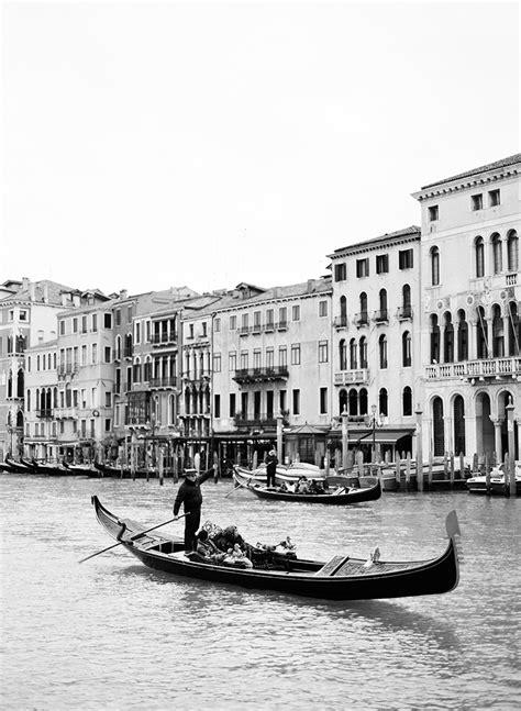 Venice Black venice in black and white entouriste