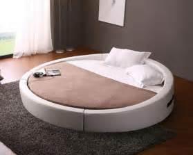 Ikea Raised Bed Lit Rond Au Cœur D Une Chambre Au Design Original