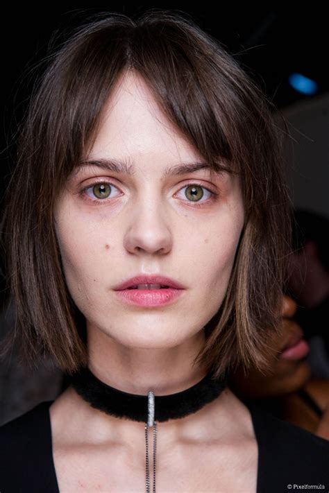 how to part hair to cut bangs middle parted bangs why you should get them