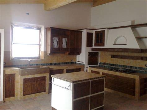 cucina piastrellata cucina piccola con isola finest cucine piccole idee